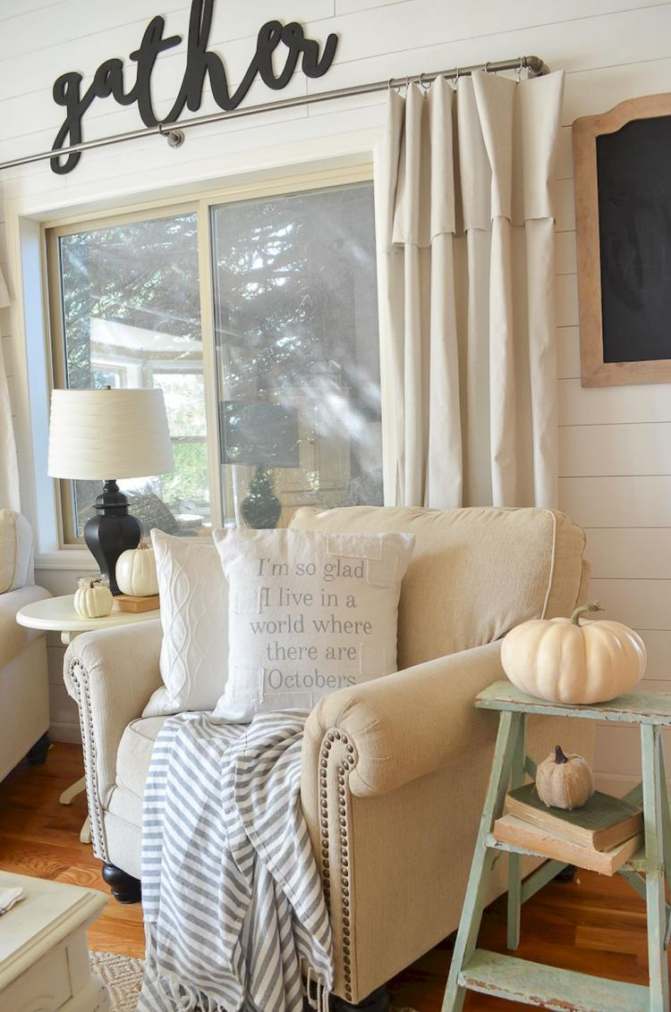 Comfy Farmhouse Living Room Designs To Steal: 65+ Comfy Farmhouse Living Room Design Ideas