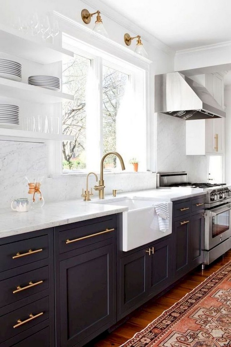 58 Gorgeous White Kitchen Cabinet Makeover Ideas