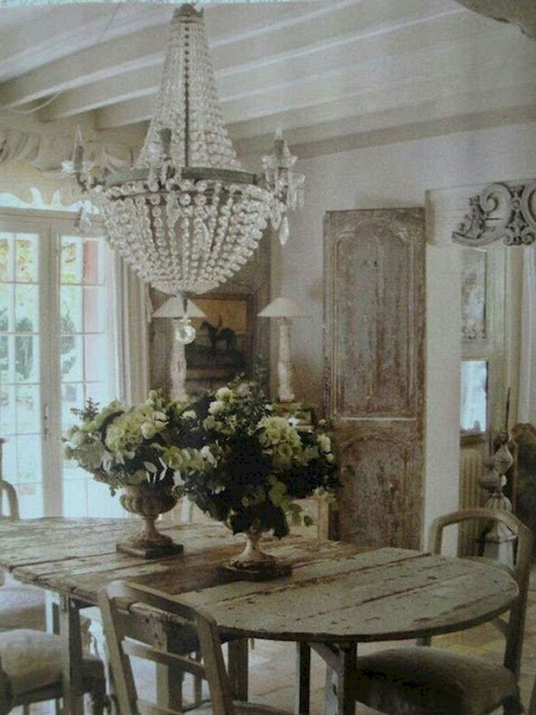 16+ Fabulous French Country Dining Room Table and Decor Ideas